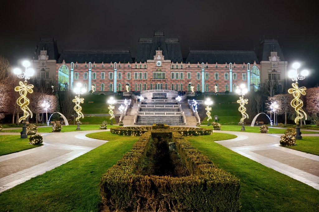 Palatul culturii din Iasi min